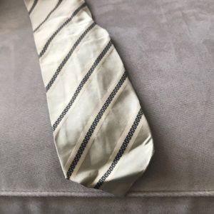 Hugo Boss green/gray tie.